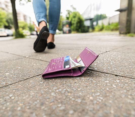 Zgubiony portfel z kartą płatniczą