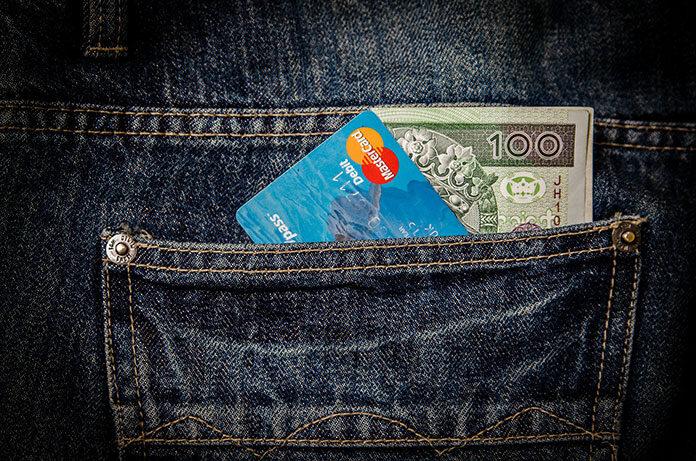 Czy warto wcześniej spłacić kredyt? Wady i zalety wcześniejszej spłaty